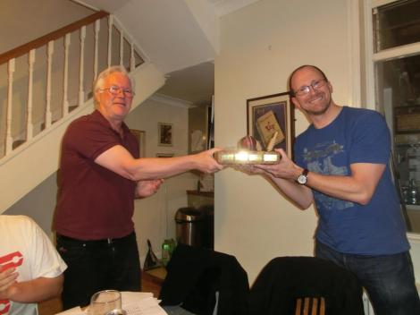 agm2014-bowling-trophy-rob
